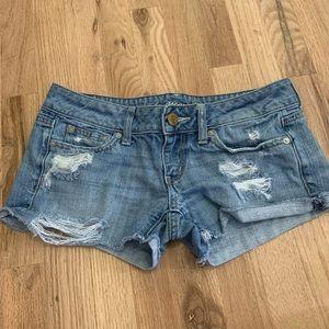 American Eagle Size 2 Jean Shorts